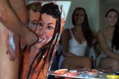 Pricasso peint un portrait féminin