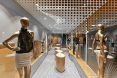 Vitrines et mannequins - Sexshop design