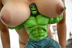 Hulk soulève seins - Photos drôles