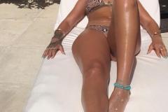 Maillot de bain bronze - Rihanna sexy