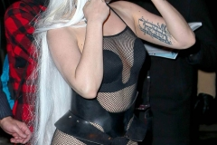 Presque nue - Lady Gaga sexy