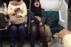 Masturbation métro - Humour sexy