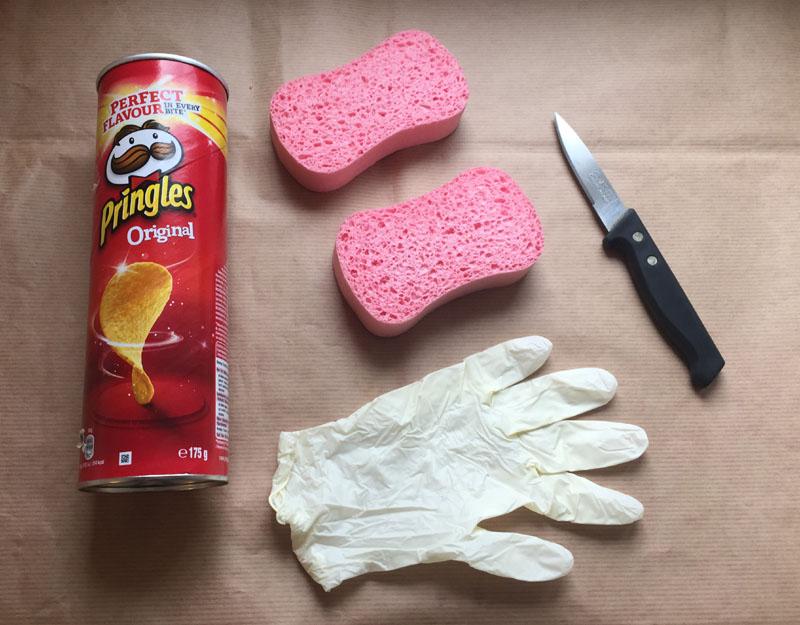 Un tube de chips, 2 éponges, 1 gant latex - Masturbateur gratuit